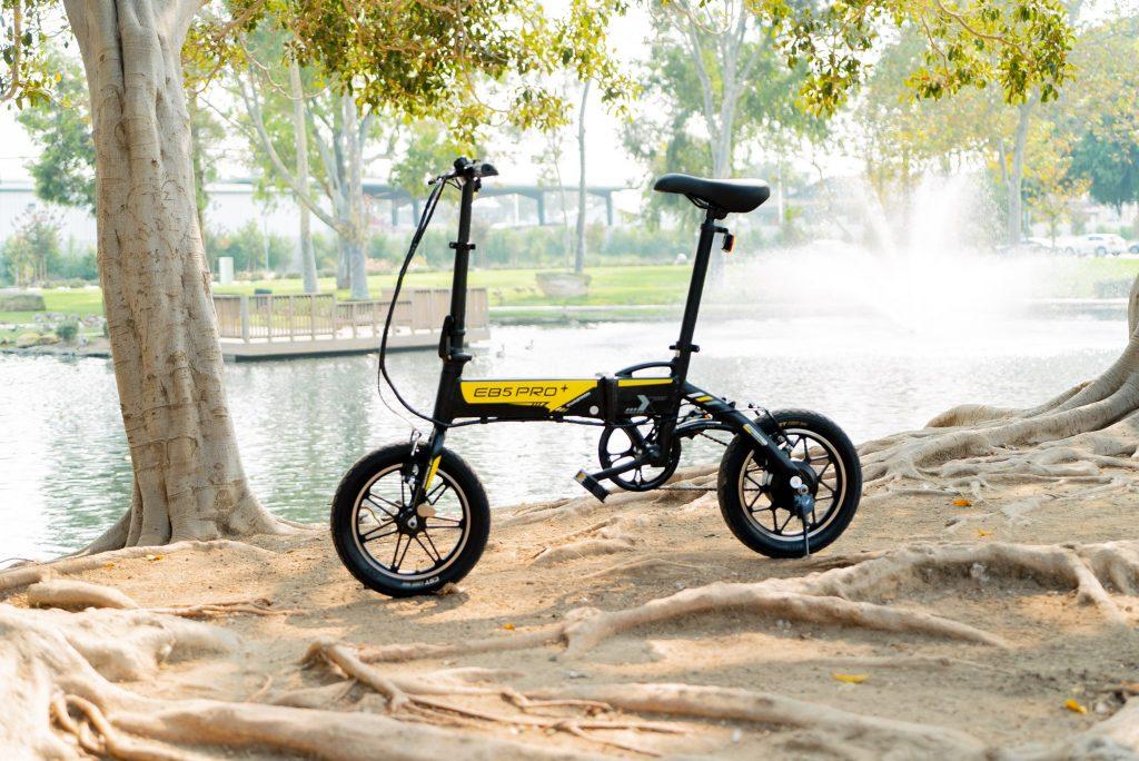 Swagtron EB-5 Pro foldable e-bike
